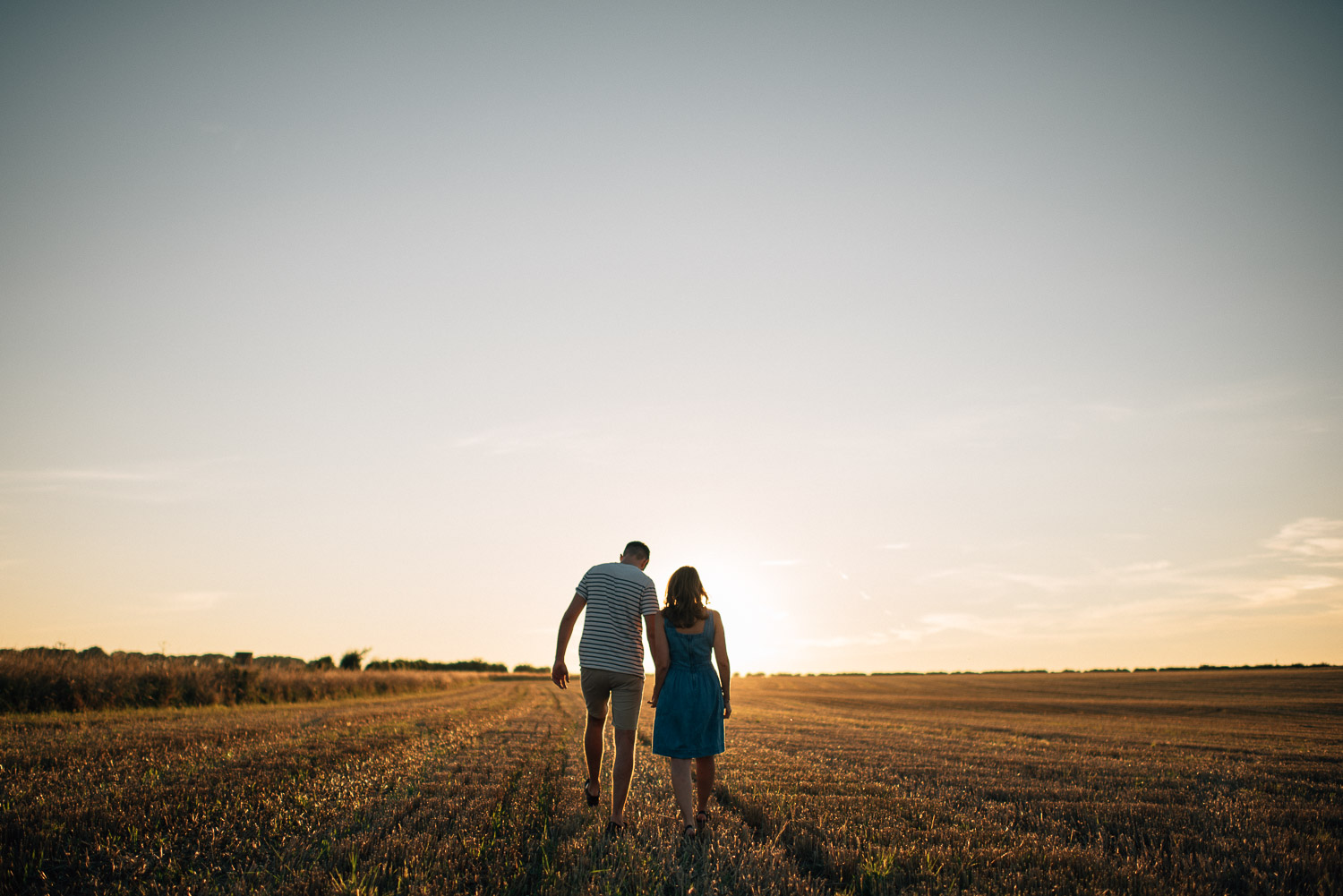 golden hour couple shoot by alternative london wedding photographer the shannons photography