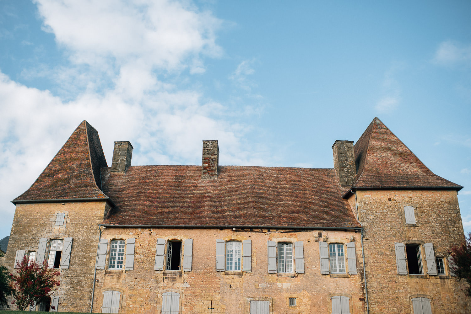 Chateau de la Bourlie Wedding by creative and alternative destination wedding photographer the shannons photography