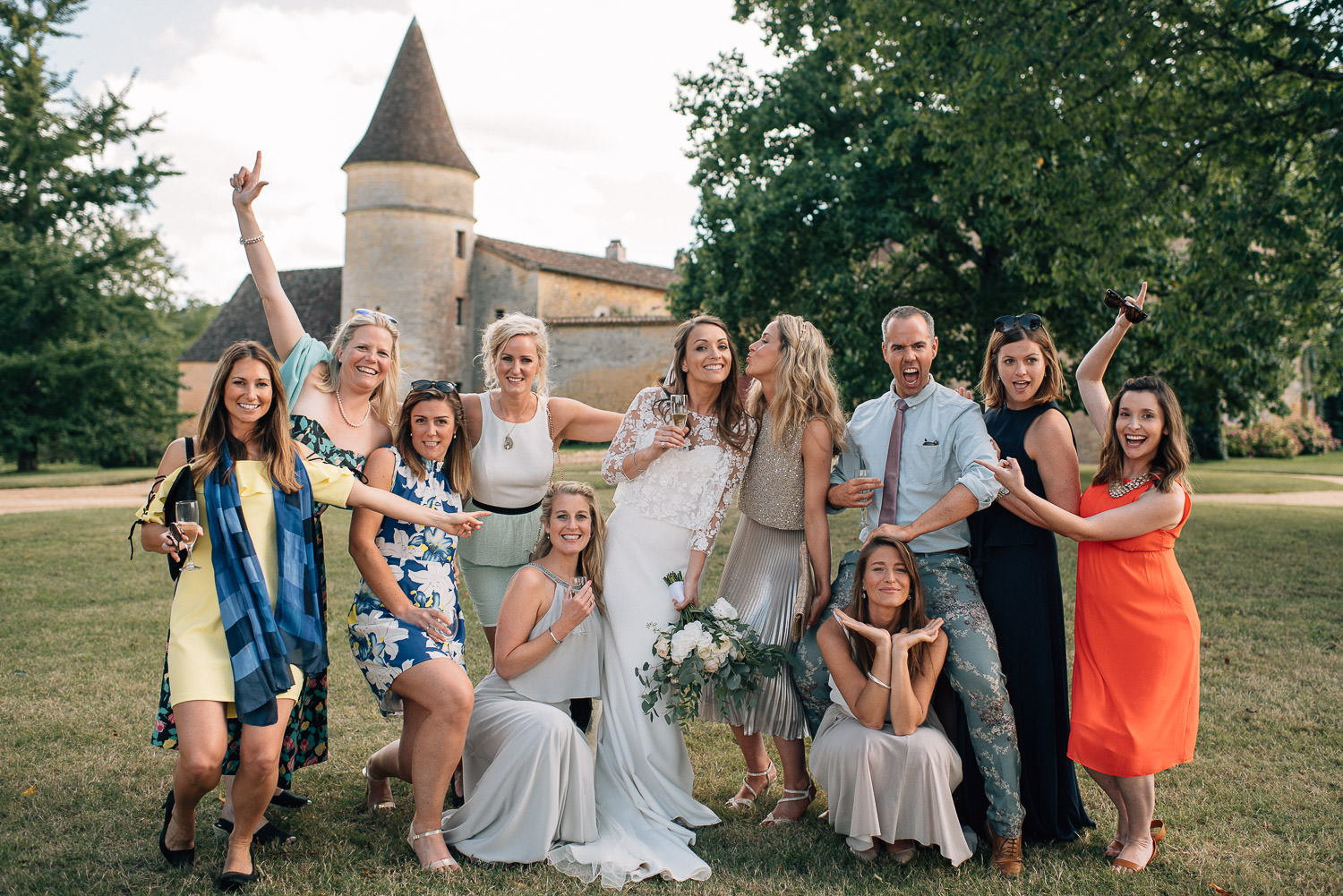 Family portraits in chateau de la bourlie wedding by destination wedding photographer the shannons photography