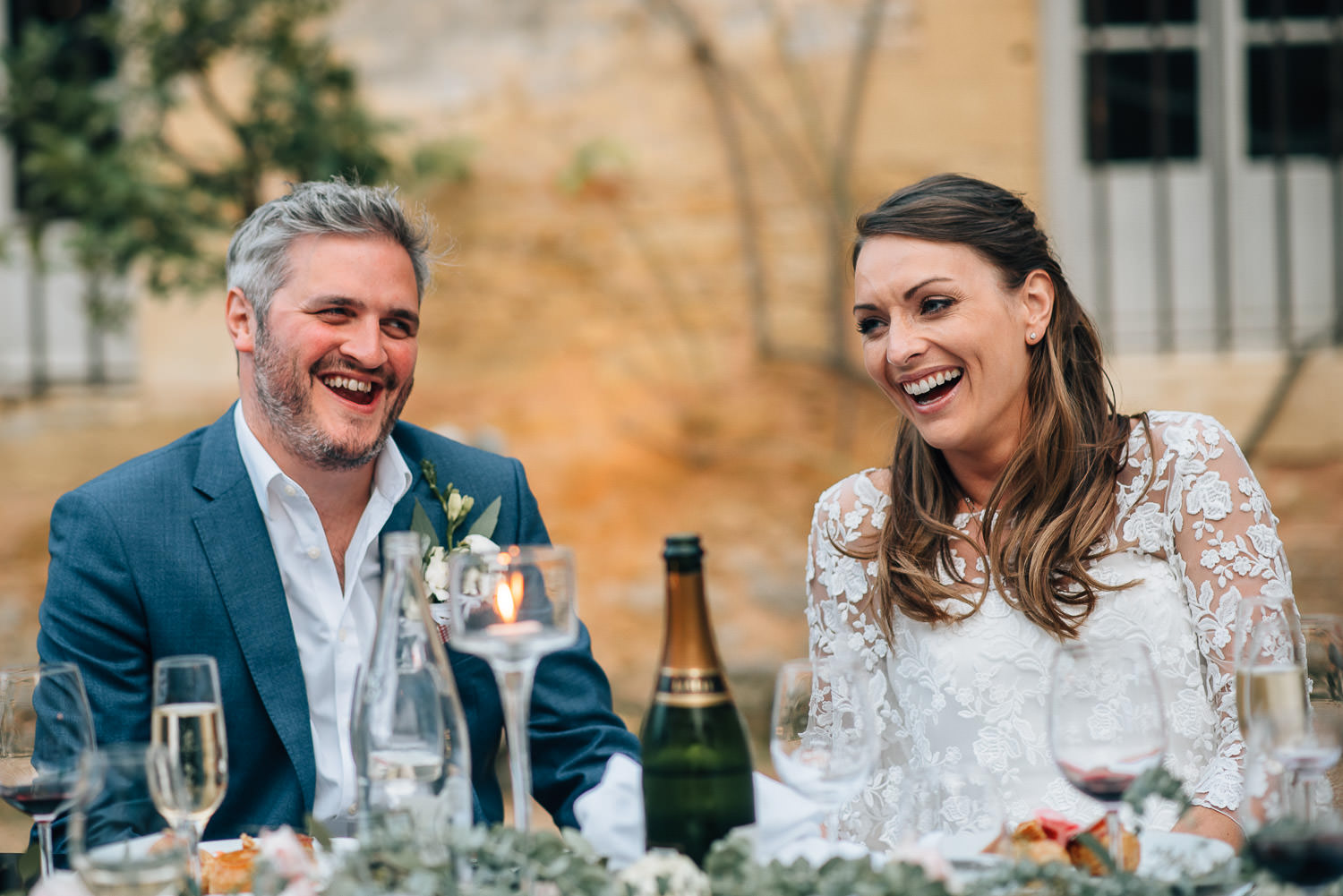 Emotional wedding speeches in chateau de la bourlie wedding by french destination wedding photographer the shannons photography