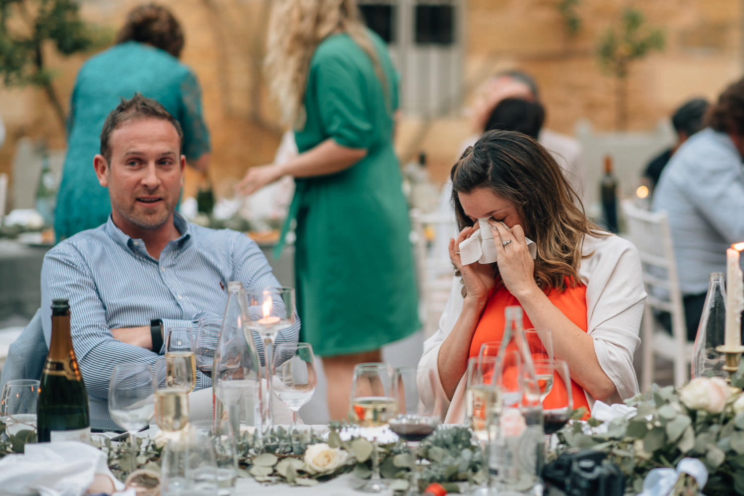 Crying guests in chateau de la bourlie wedding by french destination wedding photographer the shannons photography