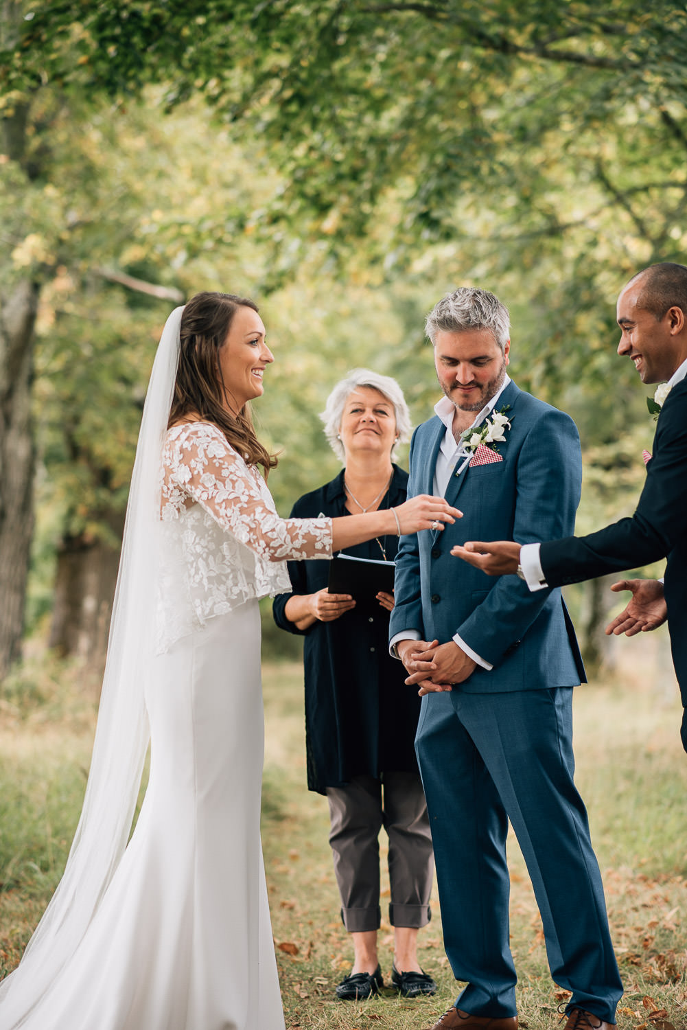 Humanist celebrant in chateau de la bourlie wedding by destination wedding photographer the shannons photography