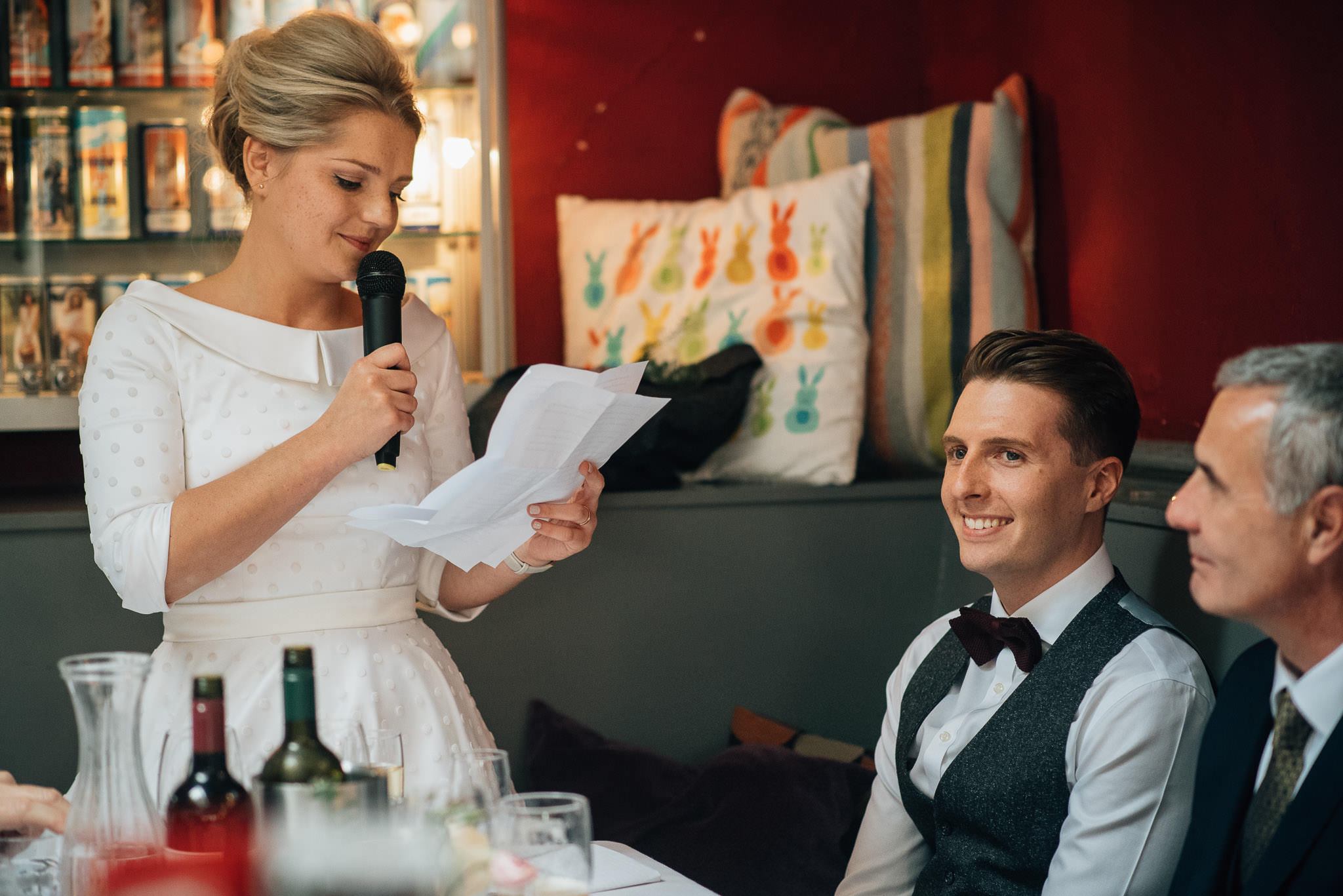Brides speech at the londesborough pub in stoke newington town hall wedding by creative and alternative london wedding photographer the shannons photography