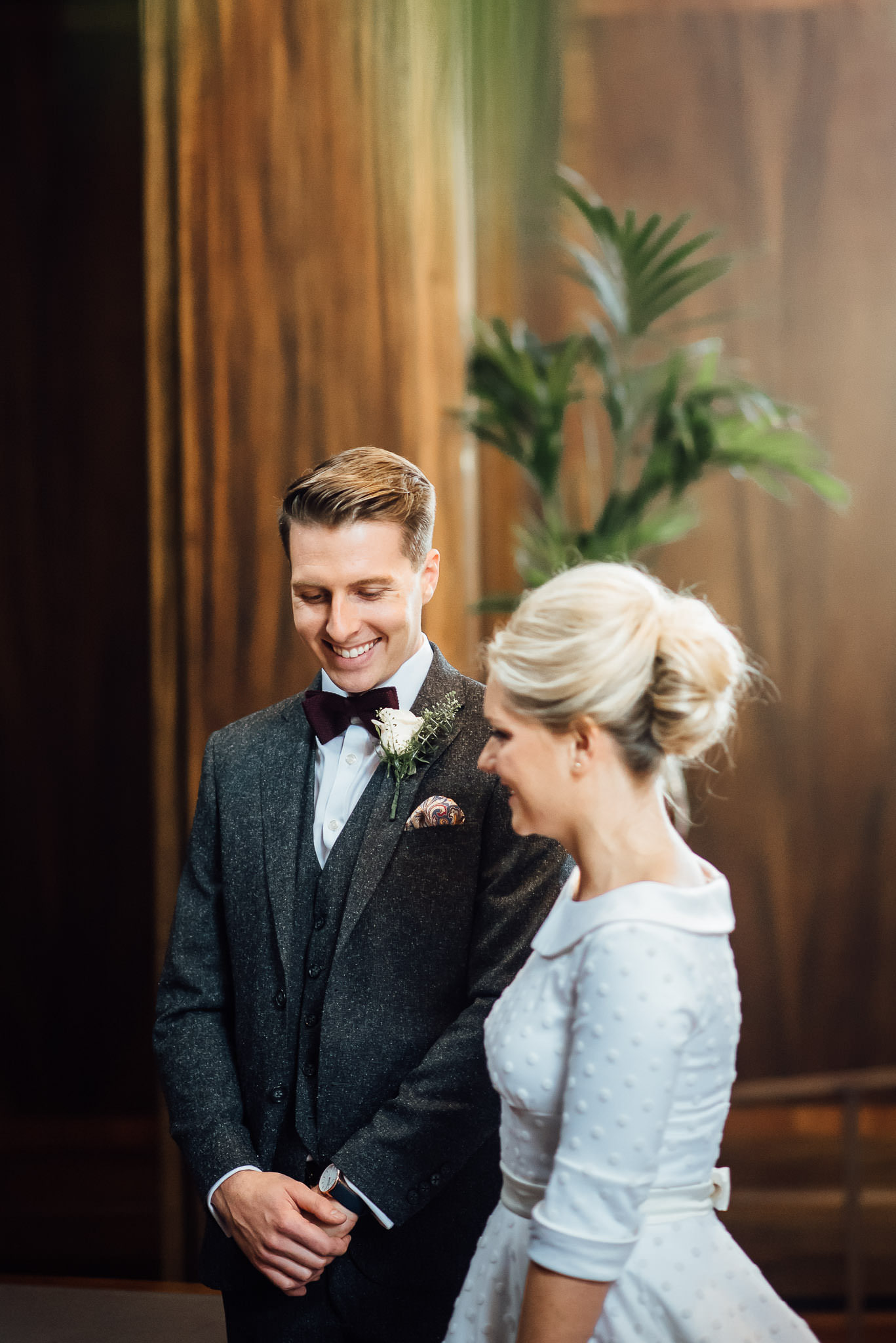 Wedding ceremony in stoke newington town hall wedding by creative and alternative london wedding photographer the shannons photography