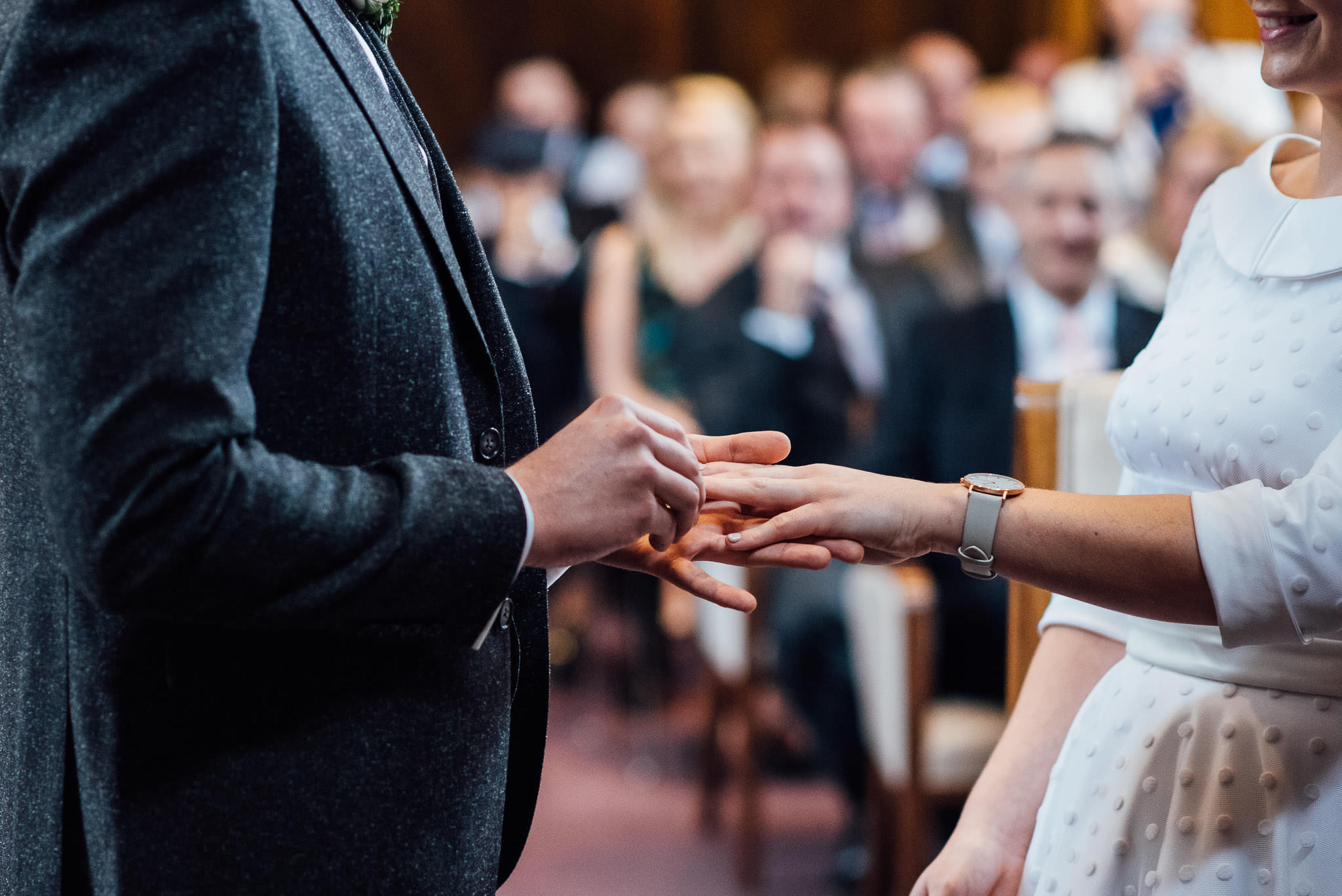 Wedding vows in stoke newington town hall wedding by creative and alternative london wedding photographer the shannons photography