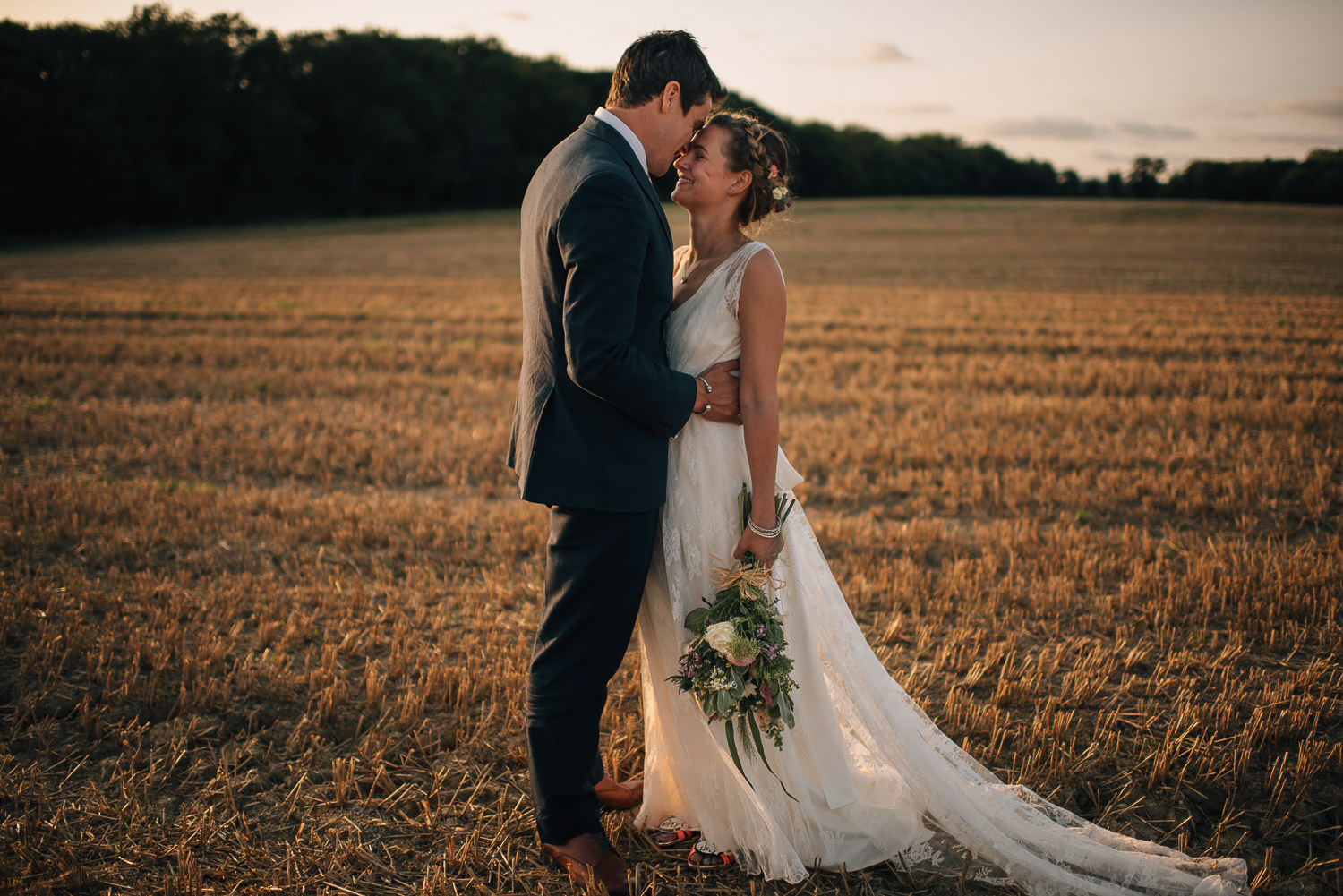 surrey festival wedding sunset by creative and alternative london wedding photographer the shannons photography