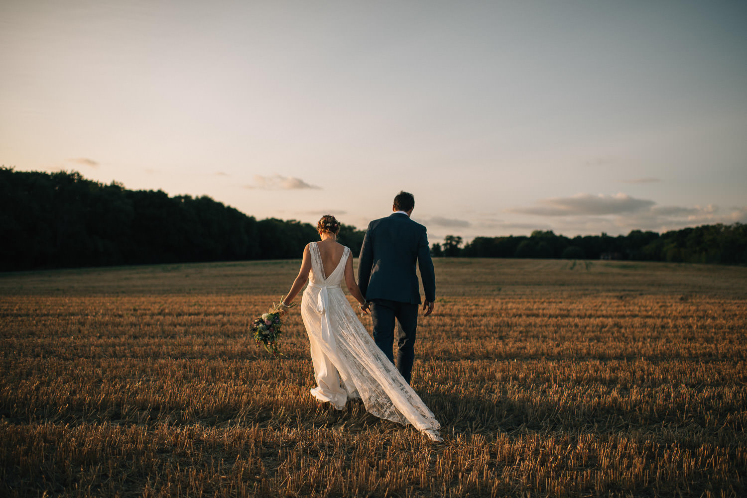 festival sunset wedding by creative and alternative london wedding photographer the shannons photography