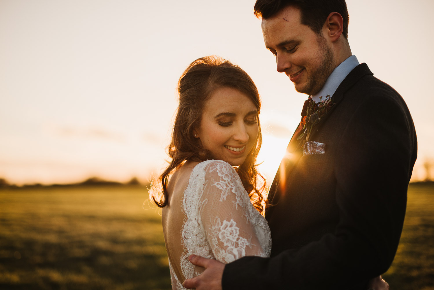 cotswold sunset with bride and groom by creative and alternative london wedding photographer the shannons photography
