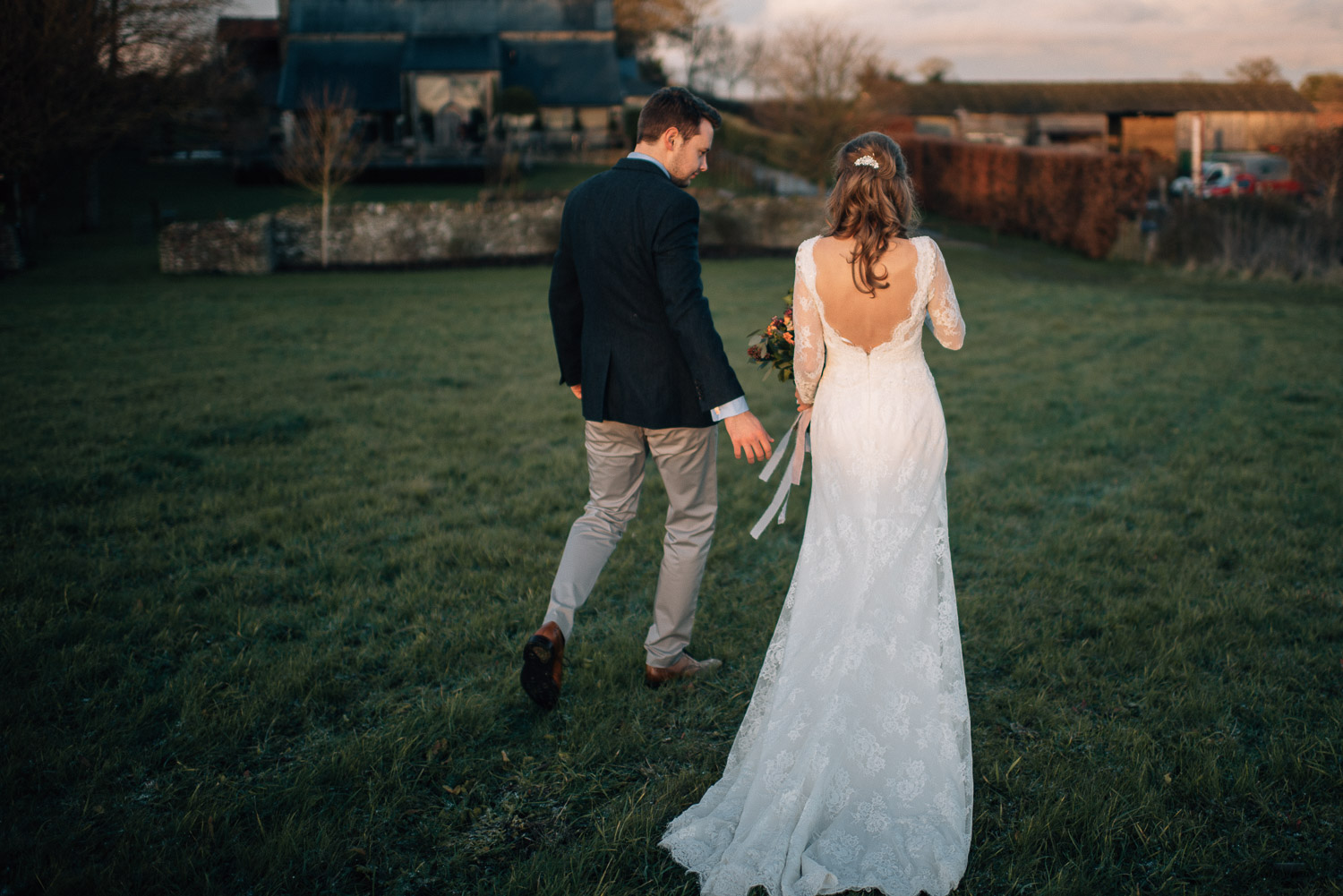 golden hour portraits at cripps barn by creative and alternative london wedding photographer the shannons photography