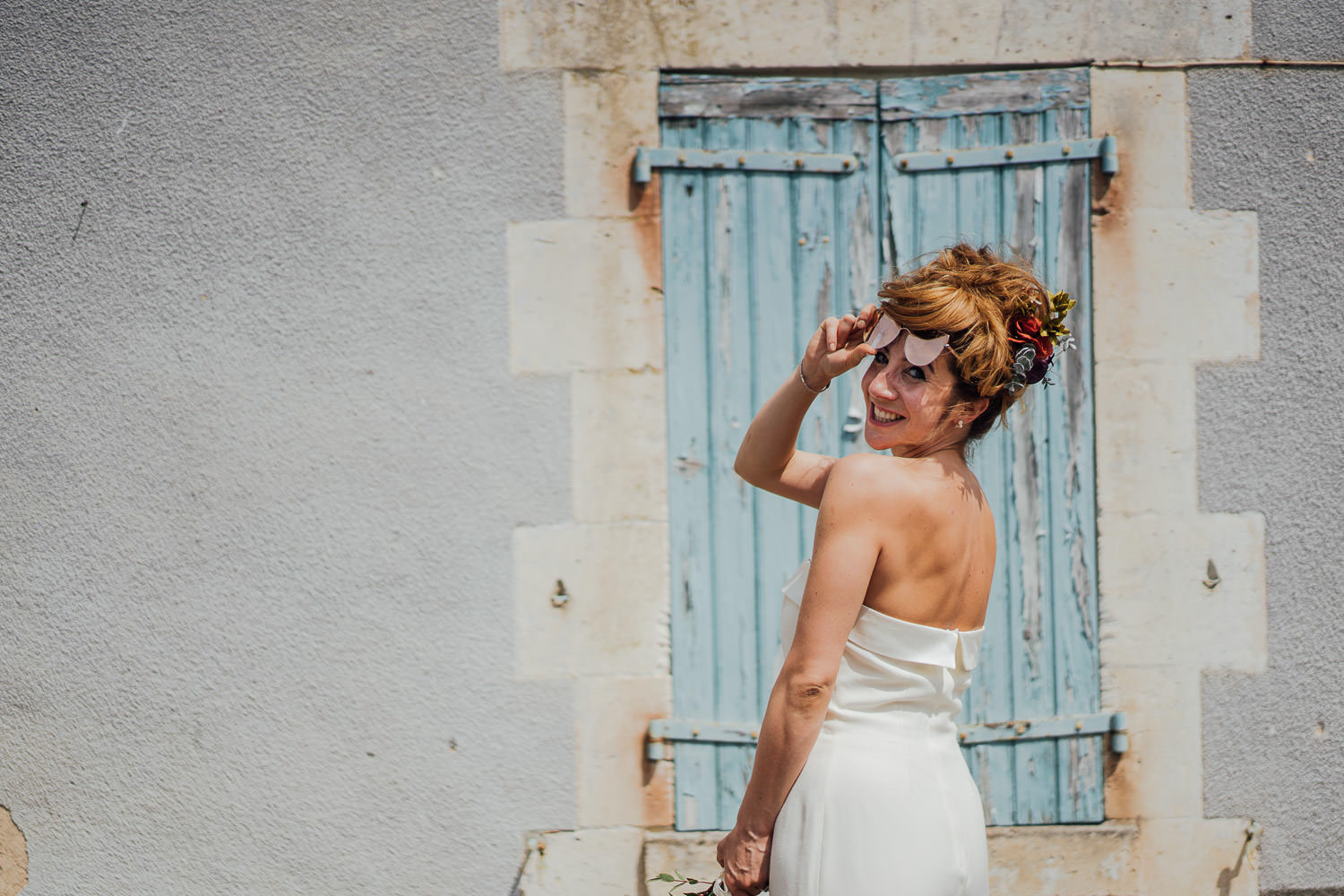 Cool bridal outfit in Bordeaux Chateau wedding by creative destination wedding photographer the shannons photography