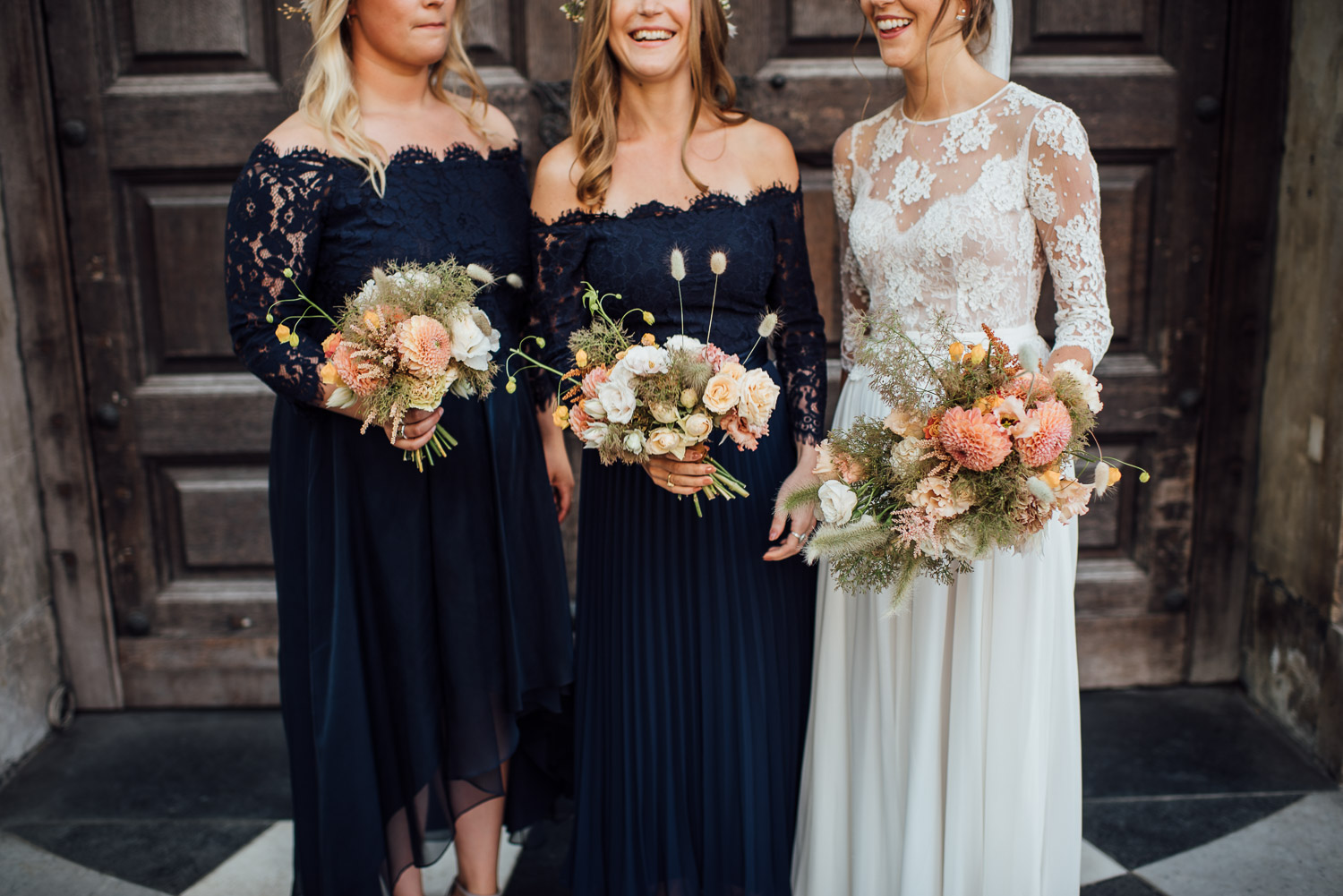 bride and bridesmaids in st pauls cathedral wedding by the shannons photography