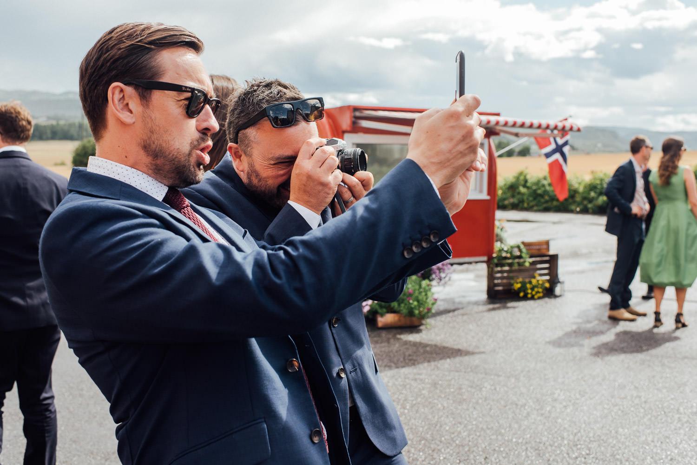 modern nordic wedding photographer