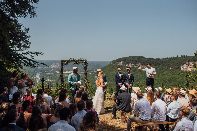 outdoor wedding at Chateau de Lacoste