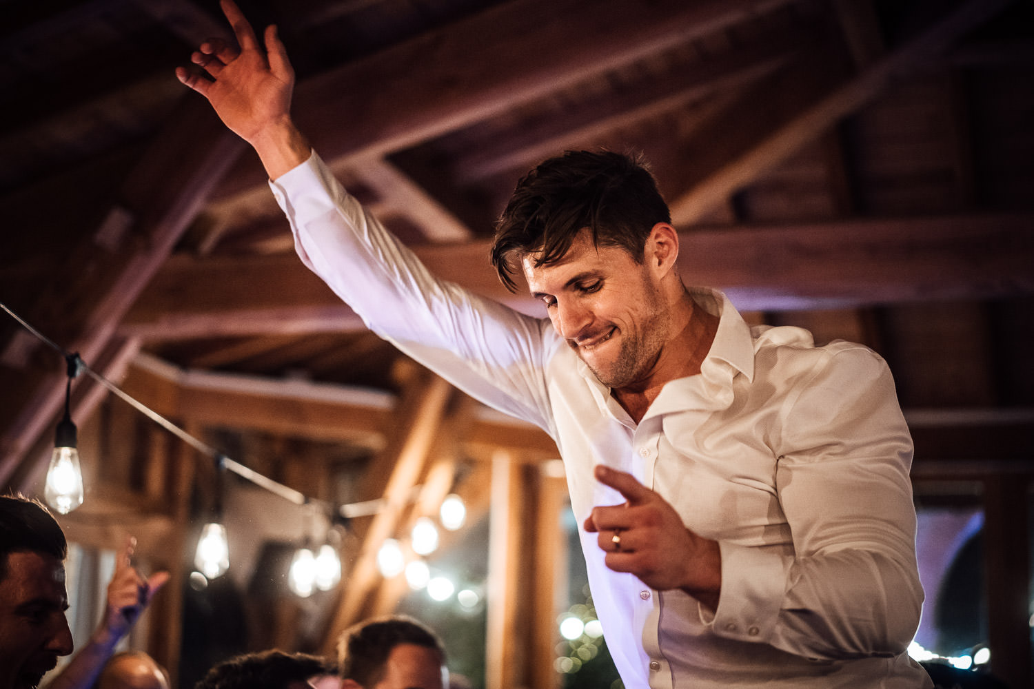 dancing in Domaine du Beyssac Wedding