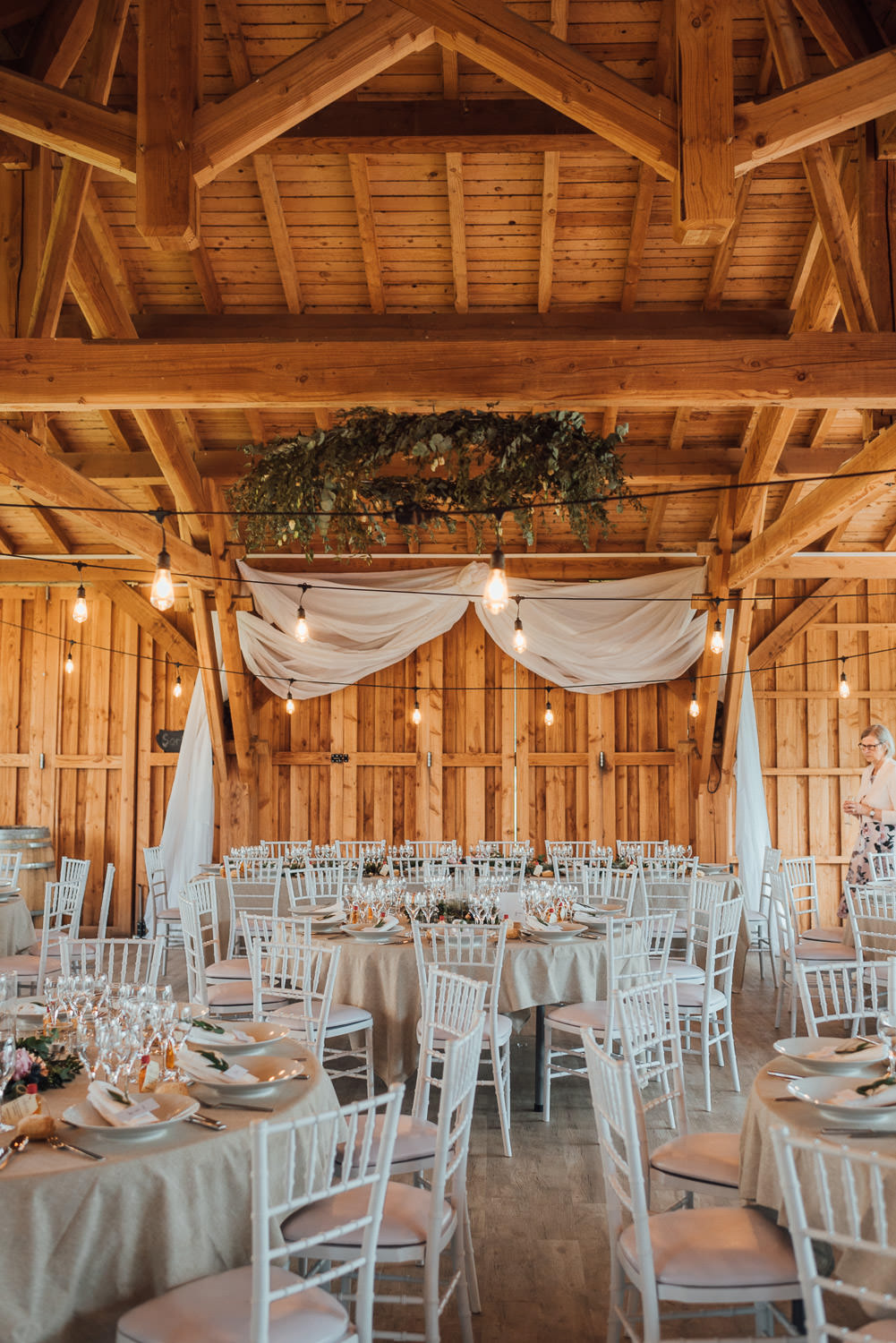 barn wedding decorations in Domaine du Beyssac Wedding