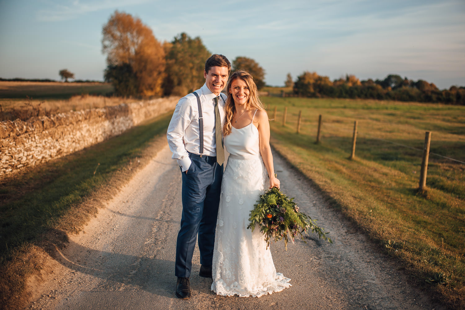 oxleaze barn wedding by cotwolds wedding photographer the shannons photography