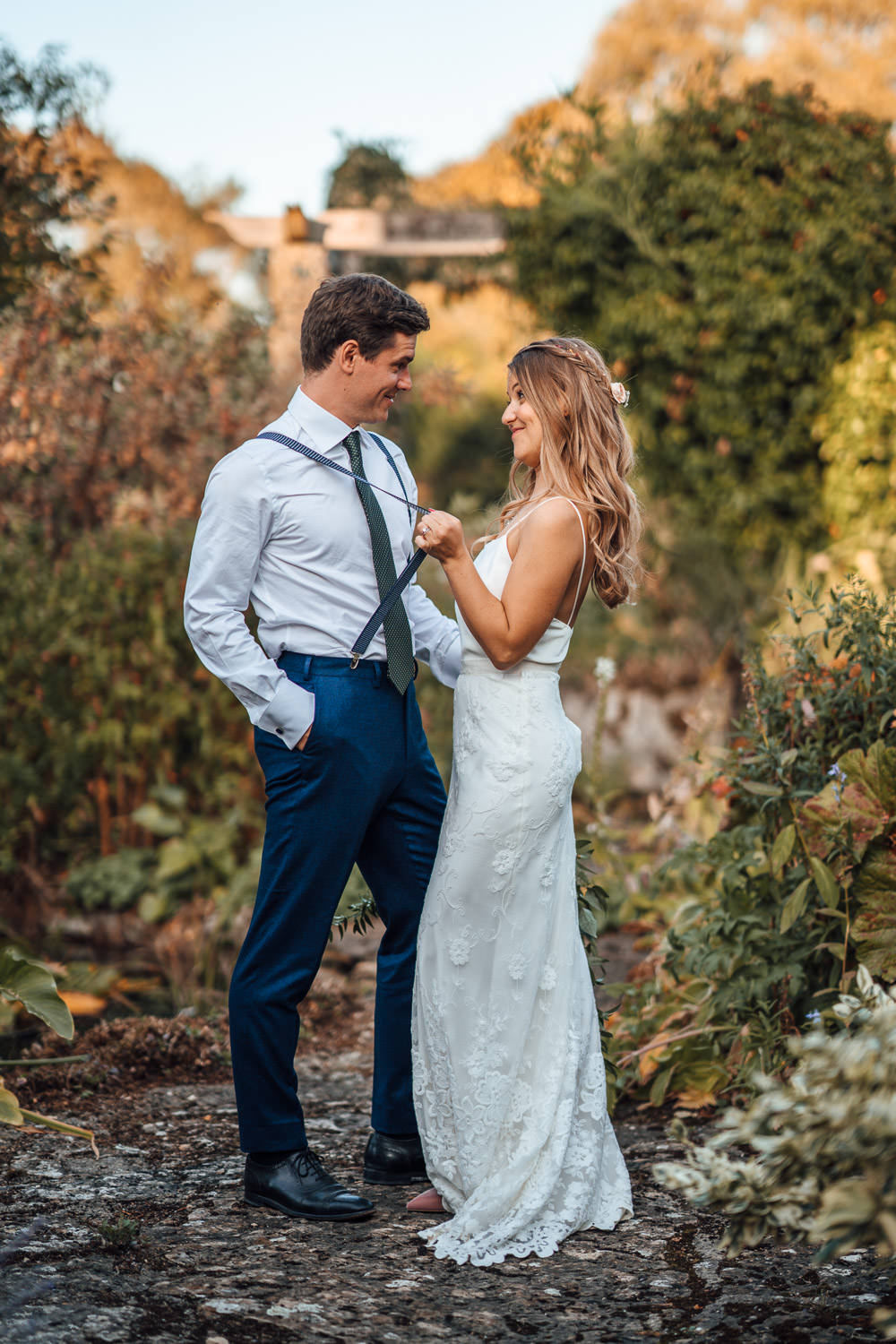 halfpenny london wedding dress in oxleaze barn wedding