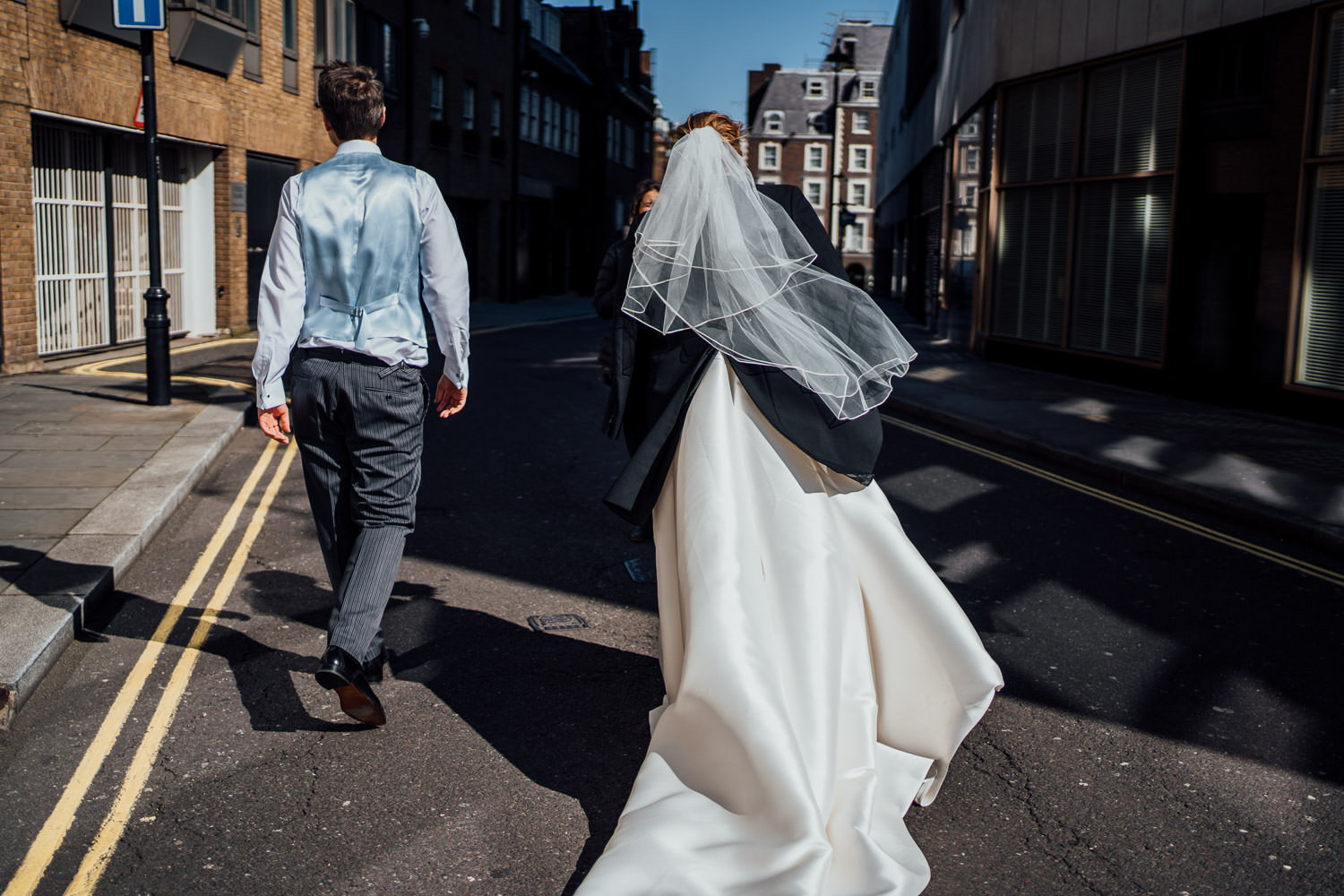 couples portraits in mayfair wedding