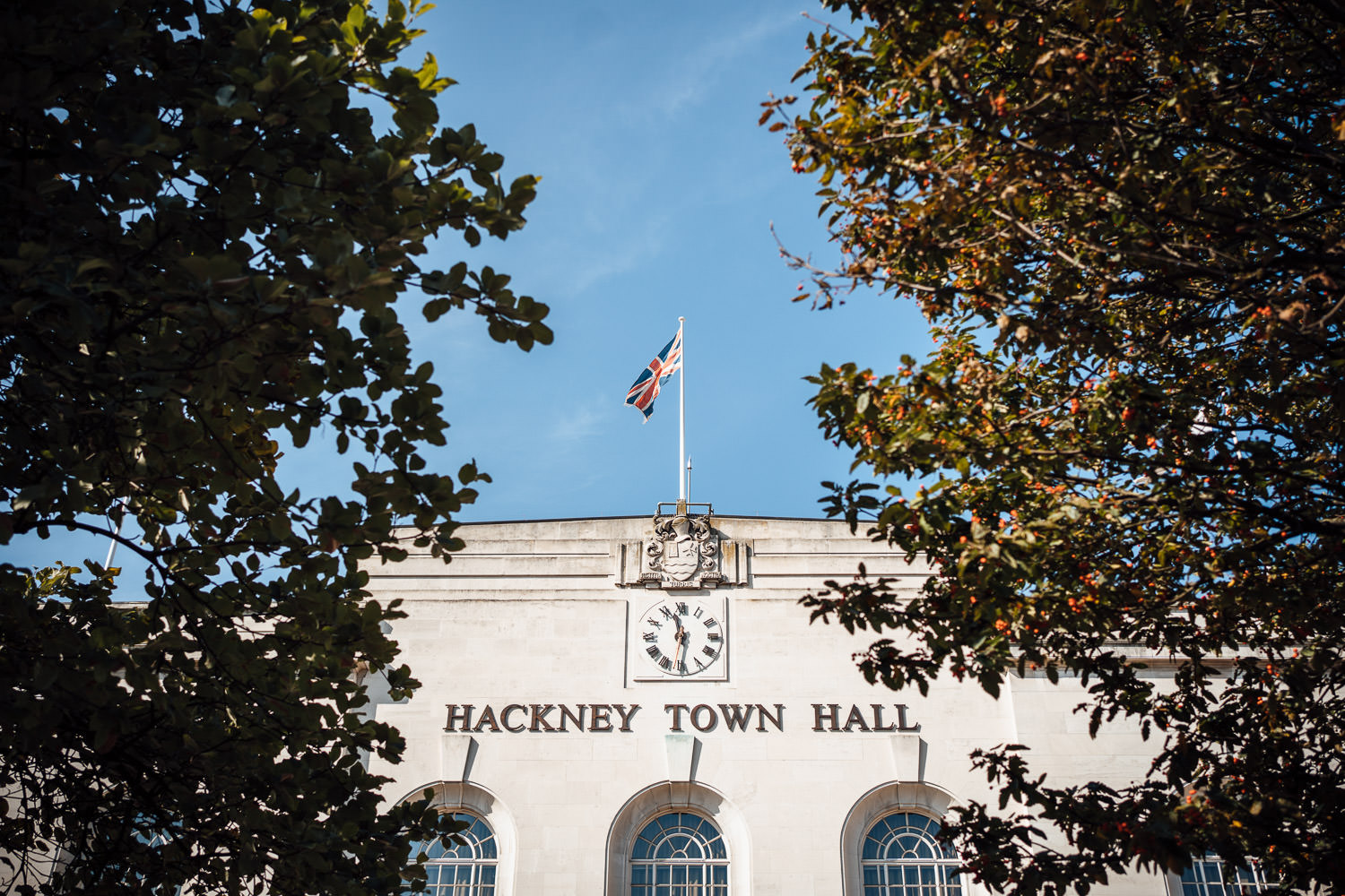cool bohemian hackney town hall by alternative london wedding photographer the shannons photography